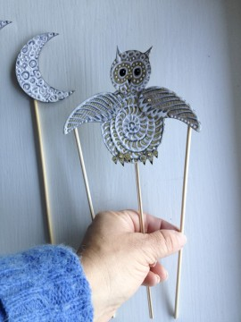 Educational kids crafts: Totem Poppet Owl as a shadow puppet.